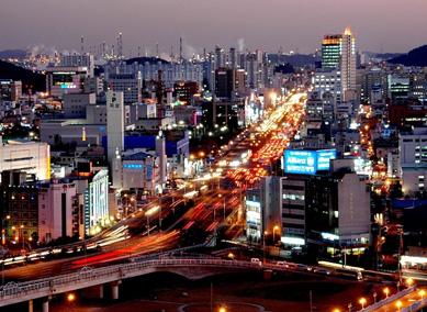Calles iluminadas de Seúl, Corea del Sur
