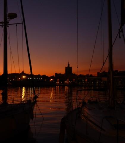 Crepúsculo en el puerto de Málaga