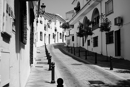 Típica calle de Benalmádena Pueblo
