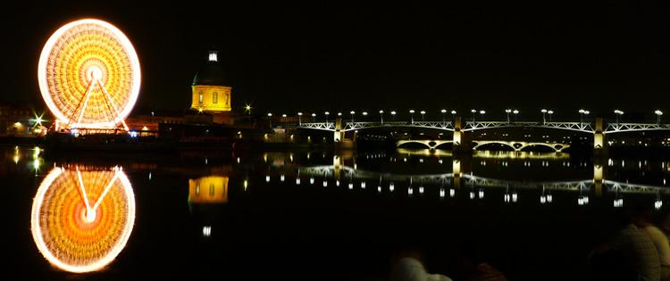 La Garonne con el Puente Saint-Pierre en Toulouse