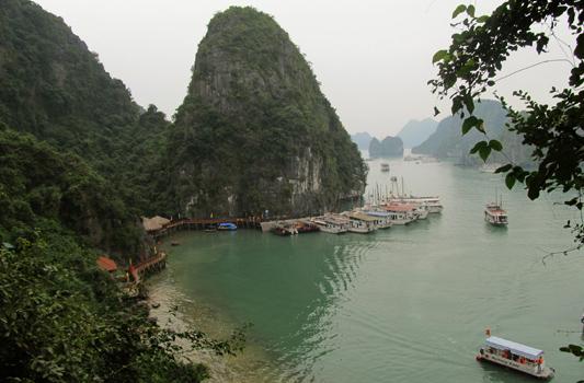 Bahía de Halong. Vietnam paraíso para los mochileros
