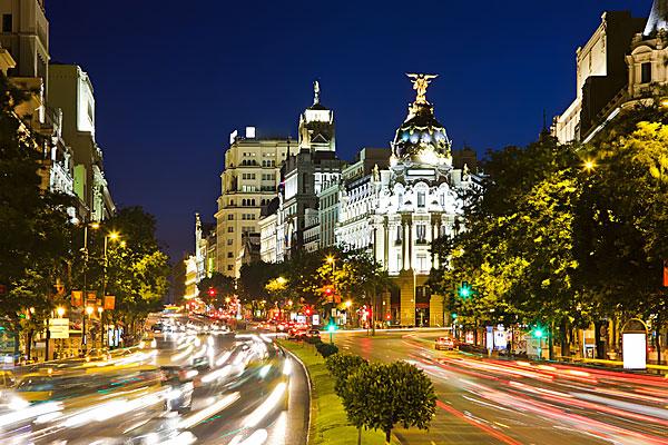 """La Gran Vía de Madrid, el """"Broadway español"""""""