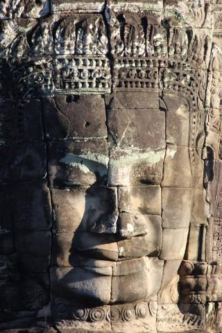 Las estatuas de Angkor representan a dioses, demonios o reyes