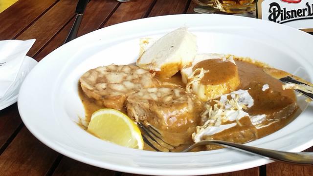 Plato checo a base de carne de cerdo