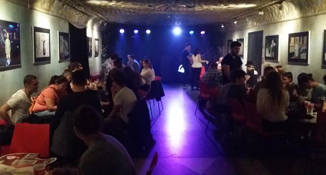 Pub en la calle Narodni en Praga
