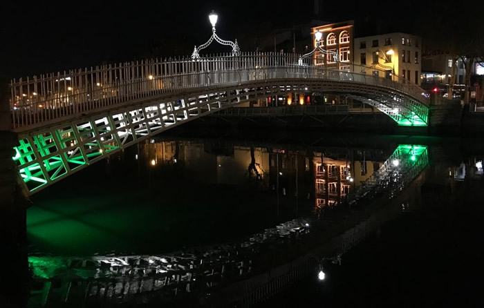 Ha'Penny Bridge, Dublín
