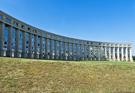 Barrio de Antiogone diseñado por Ricardo Boffil en Montpellier