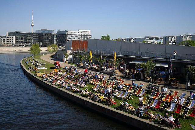 Playa de Berlín en el río Spree