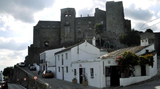 16 pueblos con encanto de Andalucía - Castellar de la Frontera -