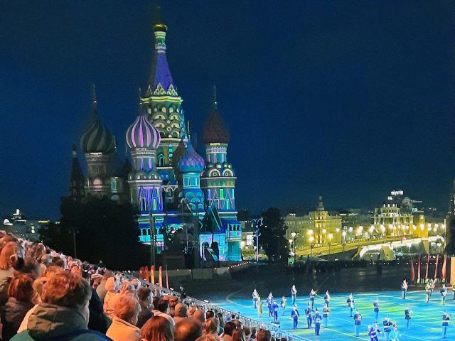 Catedral de San Basilio en el Festival Spasskaya Tower de Moscú